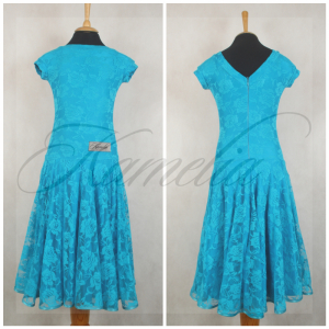 Платье Rt гипюр стрейч голубой р36